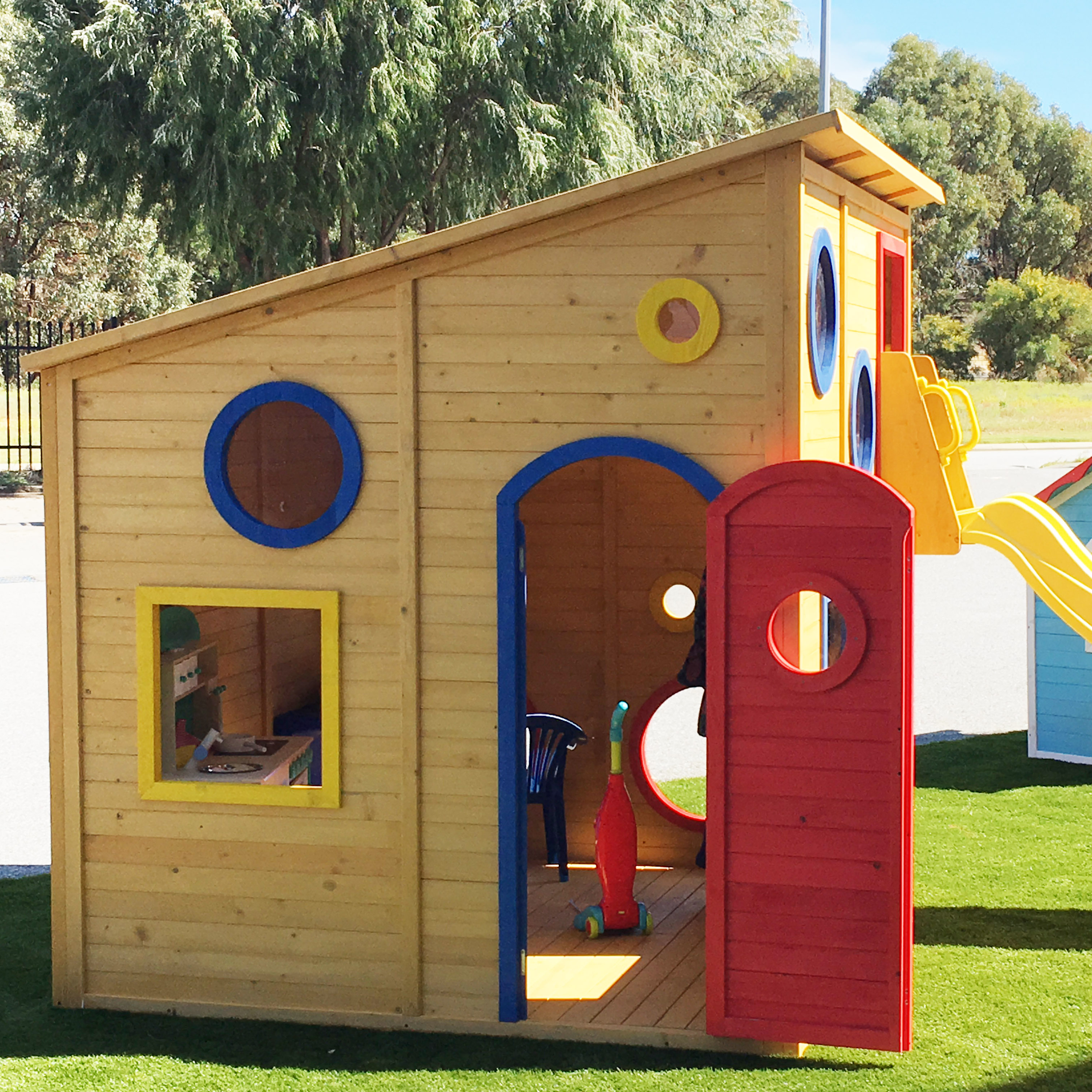 Kids Ground Level Wooden Happy Shack Cubby House Play House Fort